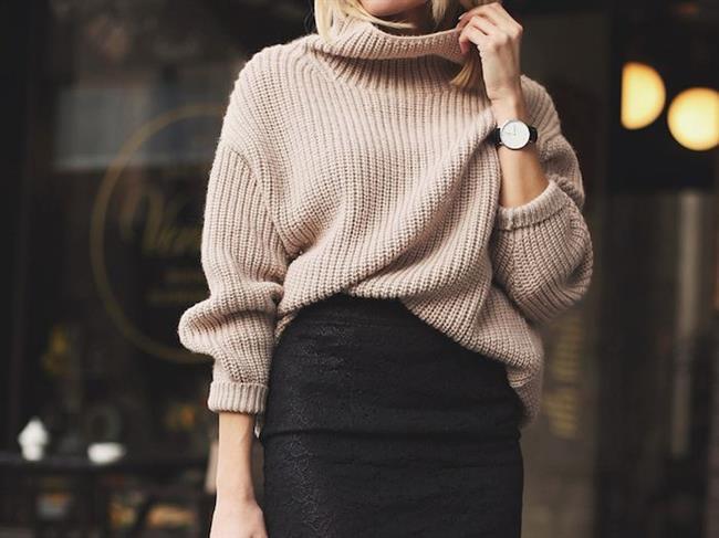 Boğazlı kazaklar   Kış aylarında sıcacık tutacak boğazlı kazaklar olmadan kış sili olamaz. Özellikle uzun modellerinin kazak elbise olarak da kullanılabilmesi, diz üstü çizmeler ile kombinlenmeleri alternatifli kombinler yaratmaları onları modası asla geçmeyecekler arasına koyuyor.
