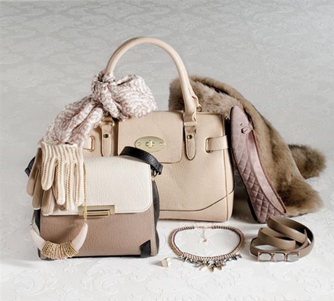 Dikkat çekici çantalar   Özellikle el çantalarındaki dikkat çekici renkler, yazılar yine onları popüler aksesuarlardan biri yapıyor.