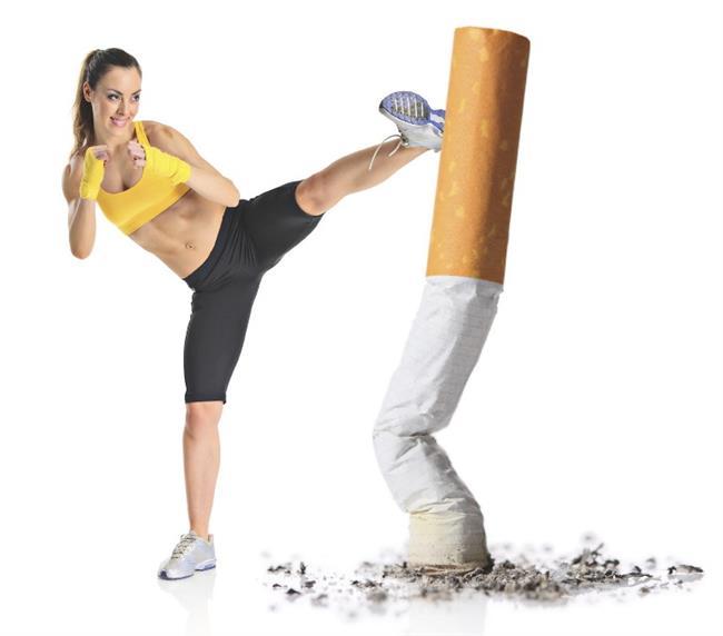 Sigaradan Uzak Durun  Kalbiniz, karaciğer veya akciğeriniz dış ortamın ısısından ya da nem değişikliklerinden habersizdir. İç organlar havanın yağmurlu, karlı, rüzgarlı, kuru veya rutubetli olmasından etkilenmezken, cildiniz bütün bu değişimlerin tam ortasında kalır. Hem içten hem dıştan yaşlanır. İç dünyanızın dışında hava kirliliği, fabrika dumanları, endüstriyel buharlar, sigara ve egzoz gazları da cildinizi etkiler.  Araştırmalar, yaşlanmaya bağlı cilt sorunlarının yüzde 80-90'ının çevresel zararlardan meydana geldiğini gösteriyor.