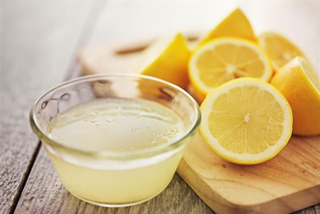Limon Suyu: Limon suyu, cilt beyazlatma hususunda oldukça büyük bir şöhrete sahiptir. Genital bölgeye limon suyu ile 3-4 dakika yapılacak masaj hem ölü hücrelerin atılmasını, hem de bikini bölgesinin renginin açılmasını sağlar. Ancak eğer vajina bölgesinde yara veya kesik gibi durumlar varsa yanma oluşabileceğinden, limon suyuyla yapılacak masaj önerilmez.