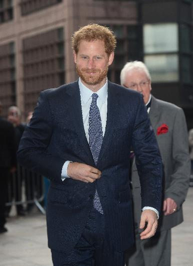 Son dönemin en çok konuşulan çifti Prens Harry ve oyuncu Meghan Markle yeni yıl içinde nişanlanacak. Sonra da sade bir törenle evlenecekler. Ama bu durum, Prens Harry ile Prens William'ın arasını açacak.