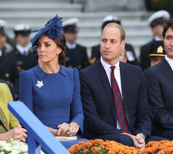 Kate Middleton ve Prens William bir çocuk sahibi daha olacak. Bundan sonra da ailelerinin tamamlandığını düşünüp bir daha çocuk dünyaya getirmeyecekler.