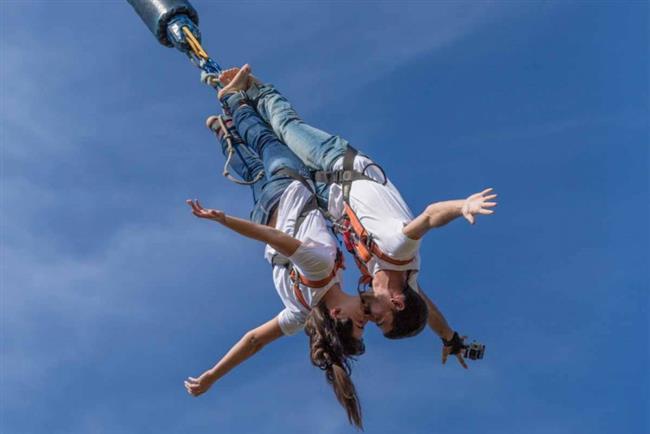 · Kural 3: Rutin ilişkilerden hoşlanmazlar. Rafting, yürüyüş, bungee jumping ilişkiniz işin (özellikle Venüs ikizler ve kova ) için çok önemlidir. · Kural 4: Havanız nasıl olursa olsun, onun yanında aşırı güzel ve havalı olun :)