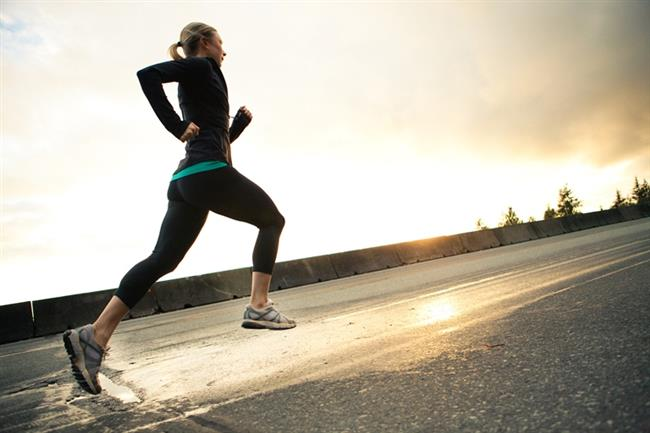 Tükettiğiniz besinlerle aldığınız kalori veya enerjiyi, haftanın her günü 30 dakikalık egzersiz ile dengeleyin. Vücut yağındaki artışın hastalıklara sebebiyet verdiği uzmanlar tarafından onaylanırken vücudunuzun bağışıklık sisteminin yanında egzersiz ile oldukça fit ve sağlıklı olacağı da bir gerçek.