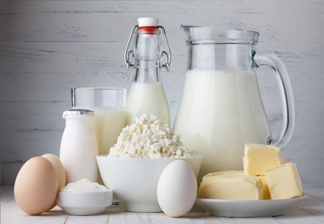 • Yağsız peynir, çökelek, yoğurt gibi süt ürünlerini sofranızdan eksik etmeyin.   Ev Yoğurdu Tüketirseniz...