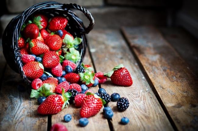 • Meyve yemeği alışkanlık haline getirin. Özellikle portakal, greyfurt, limon, elma, armut, ayva, erik, böğürtlen, kızılcık, kiraz, vişne, çilek, kavun, karpuz, üzüm, incir, nar, dut, muz, hurma, yeni dünya gibi her renkten meyveyi mevsimine göre tüketin.