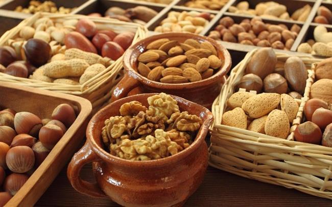 • Kurubaklagil ve yağlı tohumları daha sık tüketin.  • Leblebi, kestane, badem, fındık, fıstık, ceviz gibi kuruyemişleri sağlıklı atıştırmalıklar olarak hayatınıza dahil edin.