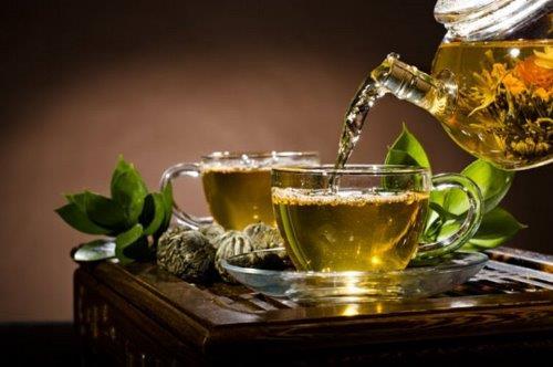Ara   1 tane grissini+2 fincan yeşil çay