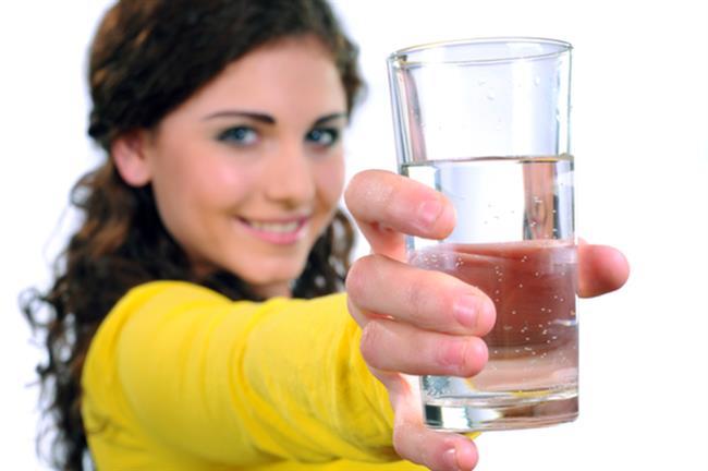 Sigarayı Bırakanlara Beslenme Önerileri  Sigaranın vücutta oluşturduğu toksik maddelerden kurtulmanın en iyi yolu su içmektir. Günde 2,5-3 litre su tüketin.