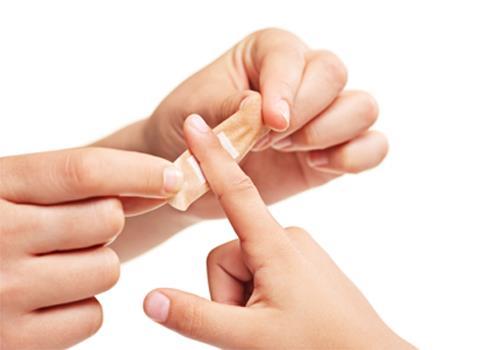 Yara İyileştirici:    Çam kabuklan öğütülüp yaraların üzerine ekilir. Yaraların daha çabuk iyileşmesini sağlar.
