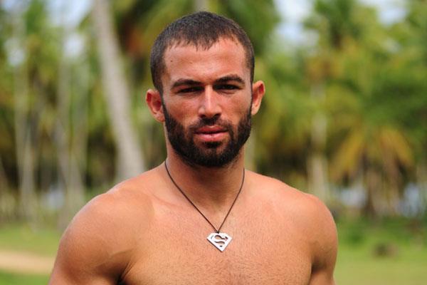 Karşımıza Survivor programı ile çıkan özlü sözleri ve sert tavırları ile dikkatleri üzerine çeken Turabi Çamkıran, Kertenkele dizisinde de rol aldı.