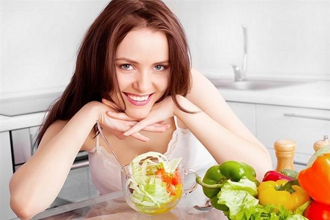 Vejetaryen beslenme, bitkisel kaynaklı besinlerin tüketildiği, hayvansal kaynaklı besinlerin az veya hiç olmadığı bir türdür. Vejetaryen bir beslenme, doğru besin önerileri ile desteklenirse sağlık için yararlı olabilir ve uygulanma kolaylığı getirir.