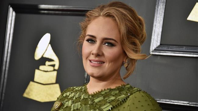 """5 Ödül Alan Adele, Geceye Damgasını Vurdu  Geceye ise damgasını, Yılın Kaydı, Yılın Albümü ve Yılın Şarkısı ödülleri dahil toplam 5 ödül kazanan Adele vurdu.  59. Grammy Ödülünü kazananlar şöyle:  Yılın Albümü: Adele - """"25""""  Yılın Şarkısı: Adele - """"Hello""""  En İyi Yeni Sanatçı: Chance The Rapper  En İyi Rap Albümü: Chance The Rapper - """"Coloring Book""""  En İyi Rap Şarkısı: Drake - """"Hotline Bling""""  En İyi Çağdaş Urban Albümü: Beyoncé - """"Lemonade""""  En İyi Pop Solo Performans: Adele - Hello  En İyi R&B Albümü: Lalah Hathaway - """"Lalah Hathaway""""  En İyi R&B Şarkısı: Maxwell - """"Lake by the Ocean""""  En İyi R&B Performansı: Solange - """"Cranes In the Sky""""  En İyi Pop Vokal Albümü: Adele - """"25""""  En İyi Rock Albümü: Cage The Elephant - """"Tell Me I'm Pretty""""  En İyi Rock Şarkısı: David Bowie - """"Blackstar""""  En İyi Müzik Videosu: Beyonce - """"Formation""""  En İyi Pop İkili/Grup Performansı: Twenty One Pilots - """"Stressed Out,""""  En İyi Country Solo Performansı: Maren Morris - """"My Church,""""  En İyi Alternatif Müzik Albümü: David Bowie - """"Blackstar"""""""