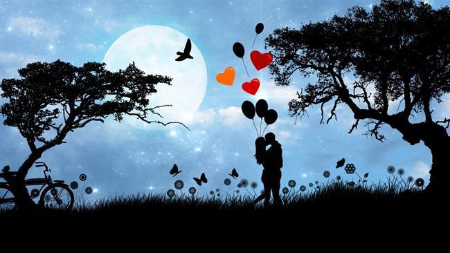 Aşk… Gözlerimizin içini güldüren, enerjimize enerji katan, sürekli görme isteğiyle kalbimizde tatlı bir çarpıntıya yol açan duygu… Aşkın ömrünün kaç yıl olduğu ve aşk bir bağımlılık mı? sorusunun yanıtı kişiden kişiye değişiklik gösterse de tartışılmaz olan bir şey var ki, aşık olmak bizi duygusal olarak etkilediği kadar fiziksel olarak da etkiliyor.