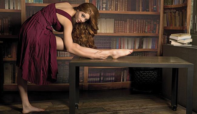 """Regl dönemlerinde insanların cinsel uyarılmaları artabiliyor.  Bunun nedeni, libidoyu azaltan hormon progesteronun daha az miktarda salgılanması…Bu hormon azalınca libido yükseliyor, cinsel arzular artıyor.  <a href=  http://mahmure.hurriyet.com.tr/foto/ask-iliskiler/seks-hakkinda-bilinmeyen-96-gercek_39411    style=""""color:red; font:bold 11pt arial; text-decoration:none;""""  target=""""_blank"""">  Seks Hakkında Bilinmeyen 96 Gerçeği Öğrenmek İçin Tıklayın!"""