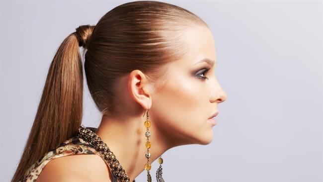 Saçlarınızı çok sıkı toplamayın. Saçlarınızın hava alması gerektiğini ve serbest kaldığı sürece hava alacağını unutmayın.