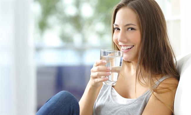 Kendinizi stresli ortamlardan uzak tutun.   Su için. Günde en az 2 litre su içmeye çalışın.  Kaynak:1Ciltbakımı