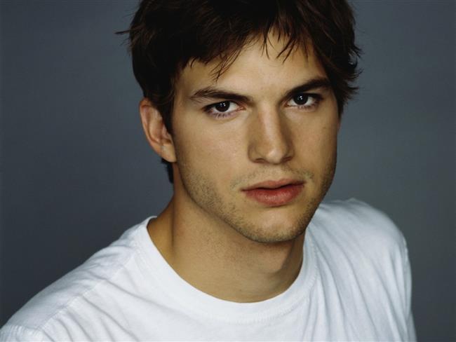Ashton Kutcher ve Demi Moore'un evli oldukları zamanlarda eş değiştirdiklerini (swinger olduklarını) iddia eden söylentiler vardı.