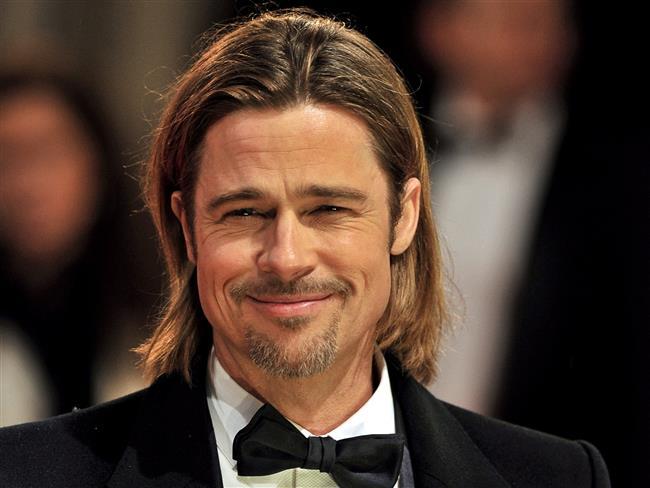 Brad Pitt'in Angelina Jolie ile sahip oldukları iddia edilen açık evlilikte Angelina Jolie kadar mutlu olmadığı söylentileri vardı.
