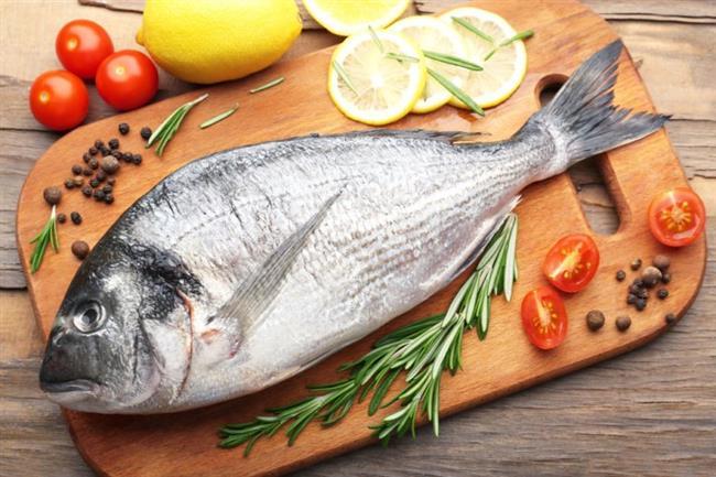 4. Diyabet riskini düşürüyor  Balık içeriğindeki çoklu doymamış yağ asitleri sayesinde, diyabeti olmayan kişilerde insülin direncini azaltarak diyabet görülme riskini azaltıyor. Beslenme ve Diyet Uzmanı Özge Öçal balığın diyabet hastalarında da inflamasyon (iltihap) görülme olasılığını düşürdüğüne dikkat çekiyor.