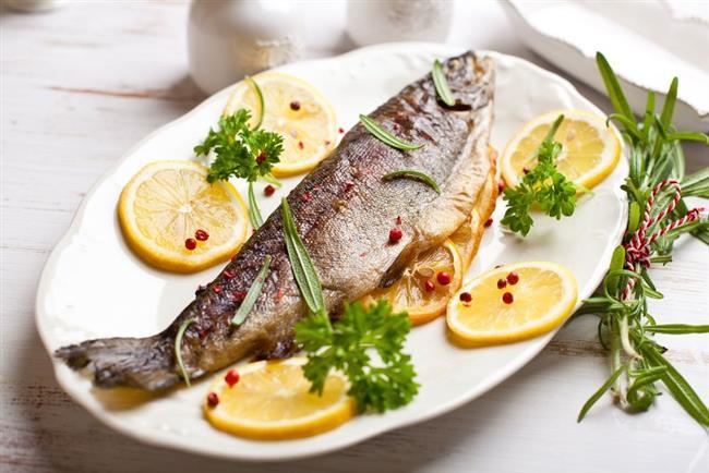 Balık  Balık vücudun üretmediği ve bu nedenle mutlaka besinlerle almamız gereken omega 3 yağ asidinin en önemli kaynağı. Hastalık yapan bileşiklerin vücuttan uzaklaştırılmasını sağlayan omega 3 almak için haftada 2-3 kez balık tüketmeye özen gösterin. Balığınızı ızgara, fırında veya buğulama olarak tercih etmeniz gerektiğini unutmayın.