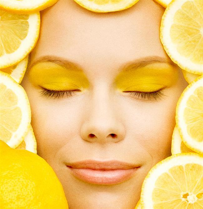 Ne İşe Yarıyor: Limon suyu cildi dezenfekte eder, sivilceleri kurutur ve siyah noktaların kaybolmasına yardımcı olur. Yoğurt ise cildi besler, nemlendirir ve yağ miktarını dengeler.   Ne Zaman Kullanmalı: Bu maske haftada bir kez uygulanabilir.