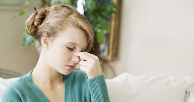 Sinüs ağrılarınız için 4 numaralı bölgeye basınç uygulayabilirsiniz.
