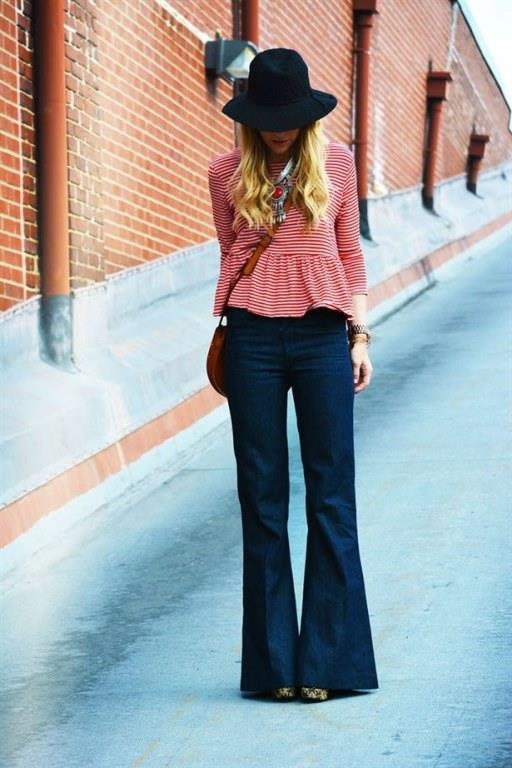 İspanyol Paça   İspanyol paça pantolonlar geçmişin hakimiyetini bugünlerde de sürdürüyor. Kolay kombinlenebilen, şık bir parça olması nedeniyle daha pek çok yerde görebileceğimiz İspanyol paça pantolonlar özellikle kısa bacaklı olup kendini daha uzun bacaklara sahipmiş gibi göstermek isteyen kadınlar için ideal.