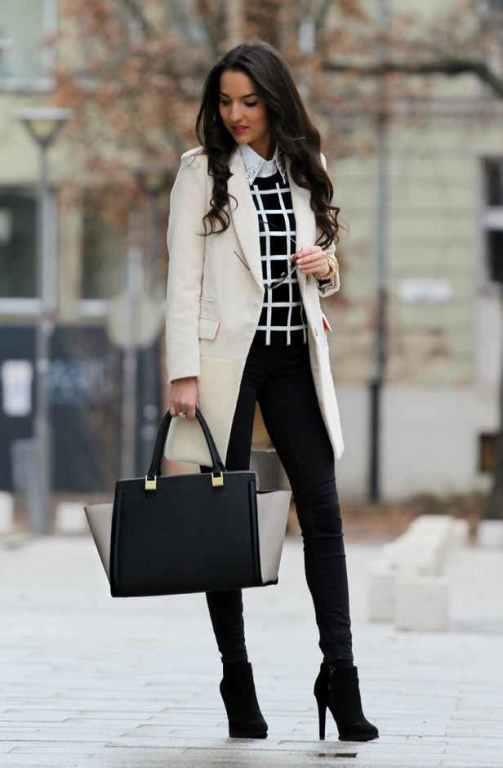 Dar Paça Pantolonlar    Dar paça pantolonlar oldukça kullanışlıdır. Topuklu ayakkabı ve bir blazerla kombinlediğiniz zaman bir iş kadınına dönüşürsünüz,