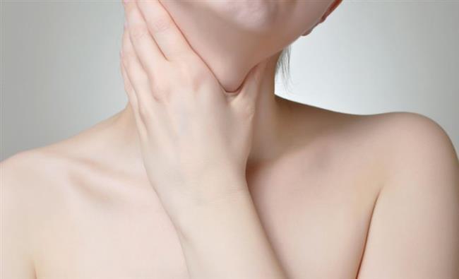 Tiroid hastalığı   Metabolizmamızın ana hormonlarından olan tiroid hormonu, besinlerle alınan iyot ve selenyum yetersizliği durumda ciddi derecede halsizliğe neden olabiliyor. Özellikle deniz mahsullerini haftada 2-3 porsiyon tüketmek sorunu çözebiliyor. Eksikliği gibi fazla miktarda iyotlu tuz tüketimi ise yine farklı bir tiroid hastalığına neden olabiliyor.   Sözün Özü: Herşey de Ölçülü Olmayı Unutmamak Gerekiyor.
