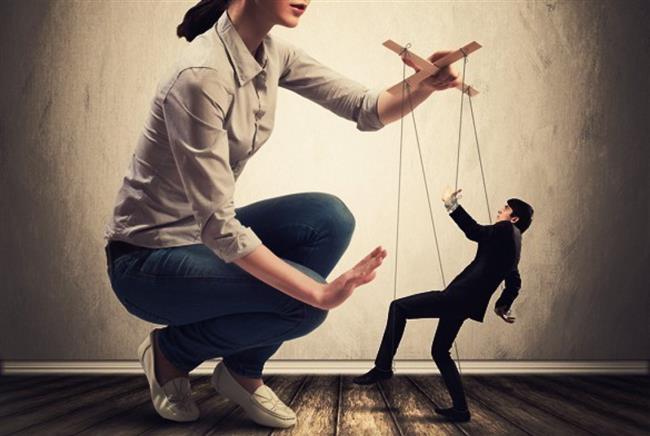 4-ONU OLDUĞU GİBİ KABUL EDİN  Kocanızı olduğundan farklı birine dönüştürmeye çalışmayın. Baskıcı, kontrolcü değil, duyarlı olun. Ona özen gösterin ama bunaltmayın, onunla ilgilenin ama sıkmayın.