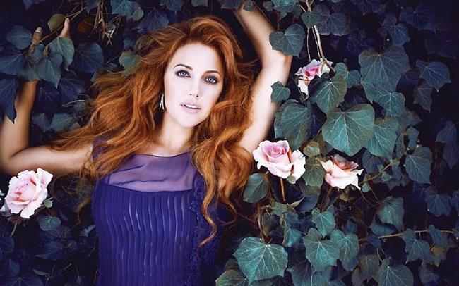 Meryem Uzerli  Kariyeri sadece Türkiye'yle sınırlı kalmayan güzel oyuncunun ismi Almanya'da da aranan oyuncular arasında yer alıyor.