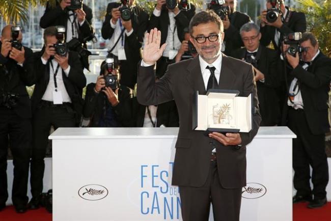 """Nuri Bilge Ceylan  """"Kış Uykusu"""" isimli filmi 2014 yılında 67. Cannes Film Festivali'nde büyük ödül olan Altın Palmiye'ye layık görüldü ve ününü sınırlar dışına çıkararak en başarılı yönetmenler sıralamasında üst sıralara çıkmasını sağladı."""
