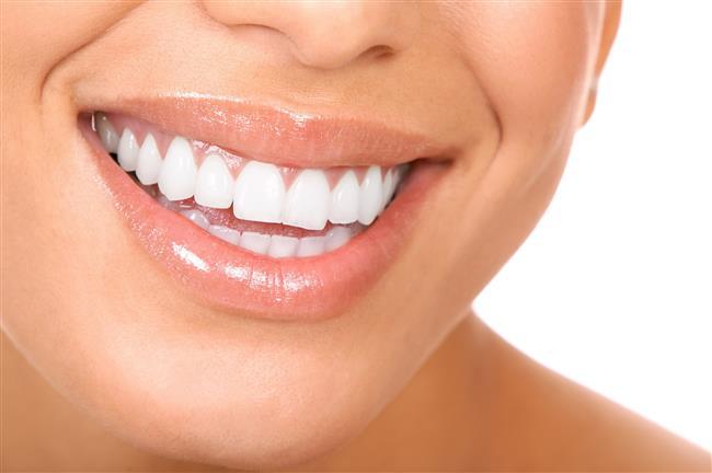 10-Diş-Dişeti sorunları  Sigaranın içindeki maddeler ve yanarken ortaya çıkan ısı diş eti kanseri riskini 30 kat artırıyor. Bu kanser sigara içmeyen kişilerde nerdeyse hiç yokken sigara içenlerde sık görülüyor. Diş çürükleri ve diş eti iltihapları da sigara içenlerde fazla görülüyor. Dişte renk değişimi ise kaçınılmaz oluyor.