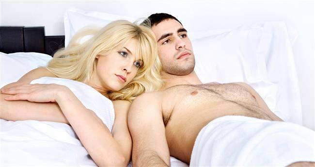 7-Cinsel işlev bozukluğu  Özellikle erkekte üreme organının damarları ince oluyor. Damarlarda ortaya çıkan bozukluklar öncelikle bu damarları etkiliyor. Sertleşme ve sertleşmenin süresinde sorunlar başlıyor. Buna impotans, yani cinsel işlev bozukluğu deniyor. Sigara içen erkekte bu risk 10 kat fazla oluyor. Benzeri durum daha hafif olarak kadında da gelişebiliyor.