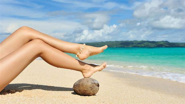 Şeker ve limonla peeling  4 çorba kaşığı şekeri yarım çay bardağı limonla karıştırın ve bacaklarınıza masaj yaparak sürün. Bu işlem peeling etkisi yaratarak bacaklarınızdaki ölü deriyi atmanıza yardımcı olur.