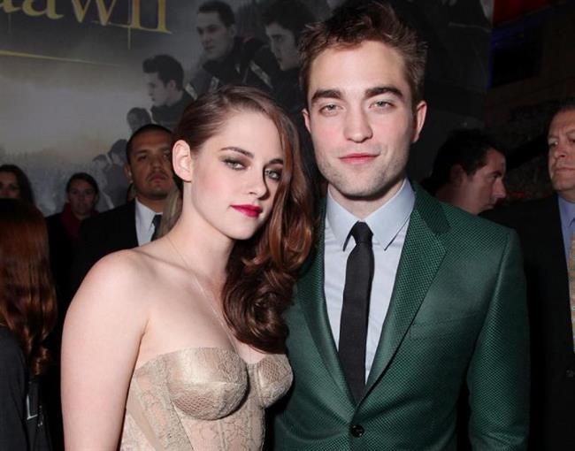 Kristen Stewart, Robert Pattinson ile aşk yaşarken yönetmen Rupert Sanders ile birlikte fazlasıyla yakın bir şekilde görüntülendi.