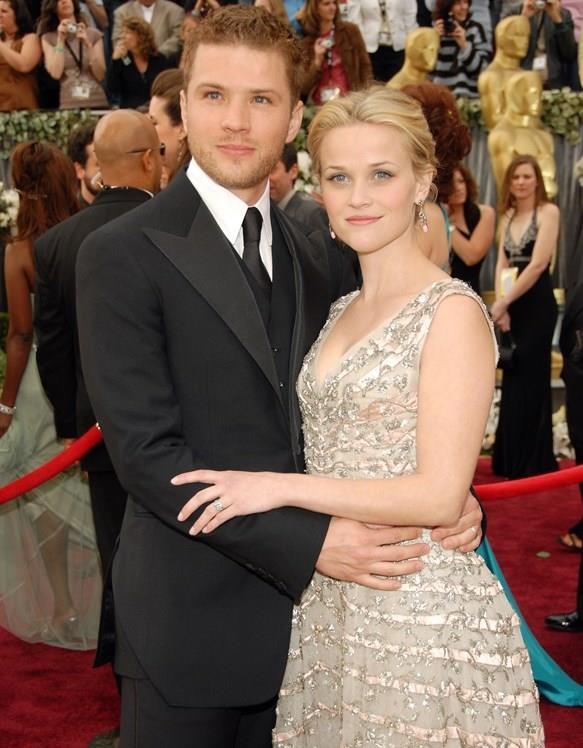Ryan Philippe ve Reese Witherspoon Hollywood'un en sevilen çiftlerinden biriydi. Çift, 1999 yılında genç yaşlarına rağmen evlenmiş, harika giden de bir evlilikleri vardı.