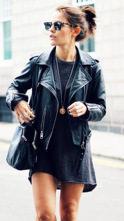 Gardırop Klasikleri:   Düz tişörtler, farklı kesimde jeanler, terzi dikim pantolonlar, vazgeçemediğiniz elbiseler, deri ceket… Dolabınızda pek çok öge olmasına rağmen bazıları her dönem kullanılabilecek klasiklerdir ve en çok da onlar giyilir.