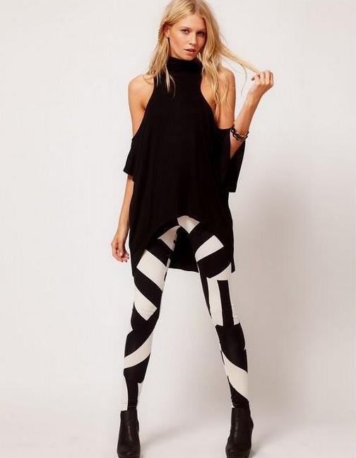 Tayt için ideal kıyafetlerden birisi de arkası uzun önü kısa tunikler ideal seçimdir.   Hangi Pantolon Nasıl Giyilir?