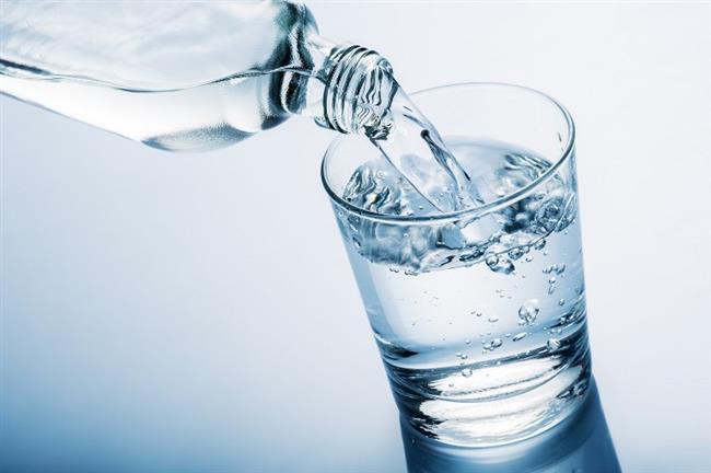 - Nitrit, amonyak bulunmamalıdır. Bunlar, suyun organik maddelerle kirlendiğini gösterir. Nitrat ise kirlenmenin aşırı düzeylere yükseldiğini gösterir. Bu maddelerin içme suyunda bulunmaları tehlikelidir. Hele çocuklar için daha tehlikelidir. - Suda 200 miligramdan fazla klorür bulunması kirlenme işareti sayılabilir.