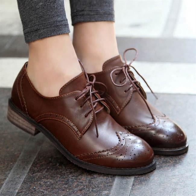 Oxford Ayakkabı  Neredeyse her parçayla kombinlemeye başladığımız bu ayakkabılar bahar döneminde vazgeçilmez parça oldular.