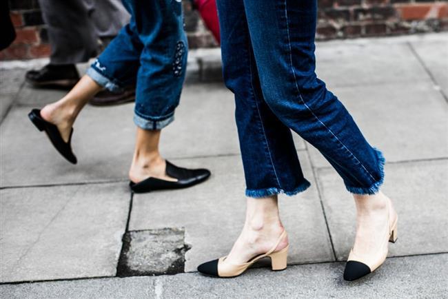 Bu sezonda da oldukça değer gören kot pantolonlar püskül paça ayrıntısıyla sokak şıklığının en önemli tamamlayıcılarından.