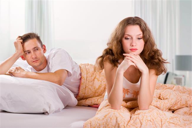 3. Cinsel isteksizlik  Cinsel ilişki sırasında kasık bölgesinde ağrı meydana gelebiliyor. Ağrı cinsel ilişkiyi olumsuz yönde etkilediği için zamanla cinsel isteksizlik problemi de oluşabiliyor.