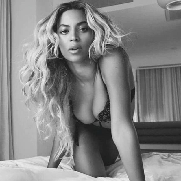 Beyoncé  Bir dönem, Beyoncé ile Jay Z'nin de seks kasetinin çıkacağı kulislerde konuşulmaya başladı. İddialara göre Las Vegas'ta bir otelde kalan çiftin görüntüleri, otel çalışanları tarafından gizlice kayda alındı. Çifte şantaj yapanlar video karşılığında büyük miktarda bir paranın da sahibi oldu. Ancak Jay-Z ve Beyoncé oteli ve şantaj yapanları mahkemeye vermekten geri durmadı.