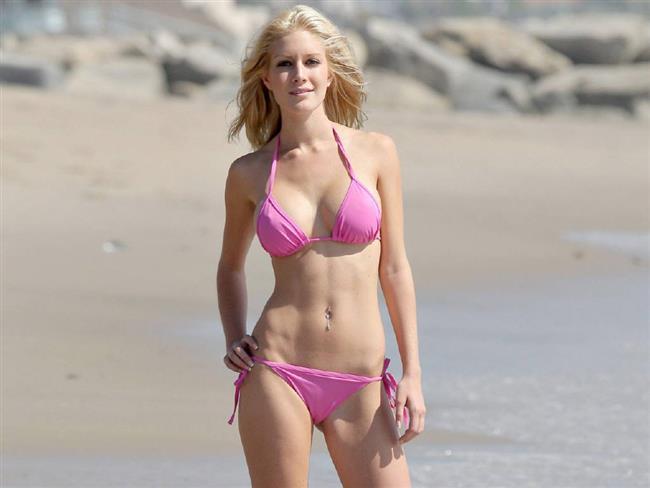 """Heidi Montag  ABD'de """"The Hills"""" TV programının yıldızları Spencer Pratt ve Heidi Montag 15 ay süren evliliklerini olaylı bir boşanmayla bitirmelerinin ardından bu kez """"seks kaseti"""" ile gündemde. Pratt'in eski eşi Montag ile evliliklerinde çektikleri seks kasetini satmak için Los Angeles'da ünlü porno film şirketi Vivid ile görüştüğü iddia edildi. Söz konusu seks kaseti hakkında konuşan Pratt, """"Küçüklüğümden beri film çekiyorum. Son filmimi de çok beğeneceksiniz. Kısa süre sonra seks kasetimizi alabileceksiniz"""" dedi. Montag ise konu hakkında herhangi bir açıklama yapmadı. Pratt, kısa bir süre önce de Montag'la ilişkilerini anlatan bir kitap yazacağını açıklamış, ancak Montag, bunun için kesinlikle dava açacağını söylemişti."""