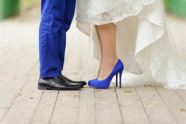 Unutmayın, rahat ve mutlu bir gelin olmak için en önemli kural gelinliğin ve ayakkabının rahat olmasıdır...  İşte doğru gelin ayakkabısını seçmenize yarayacak tüyolar...