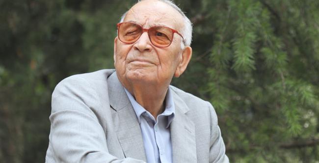 Yaşar Kemal  Türk Edebiyatı'nın en önde gelen yazarlardan biri olan Yaşar Kemal, Hem yurt içinde hem de yurt dışında çok sevilmiş ve birçok kez Nobel'e aday gösterildi ama maalesef alamadı.