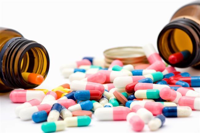 """Antibiyotik her zaman doğru bir seçenek olmayabilir   Virüsler soğuk algınlığı ve gribe neden olurlar. Antibiyotikler ise sadece bakteriyel enfeksiyonların tedavisinde kullanılır. Bu nedenle kullanacağınız antibiyotikler kendinizi daha iyi hissetmenize yardımcı olmaz; aksine antibiyotiklere karşı dirençli olan bakterilerin üremesine zemin hazırlayabilir.   <a href=  http://mahmure.hurriyet.com.tr/foto/saglik/ev-tursusunun-8-bilinmeyen-faydasi_41386 style=""""color:red; font:bold 11pt arial; text-decoration:none;""""  target=""""_blank""""> Ev Turşusunun 8 Bilinmeyen Faydası!"""