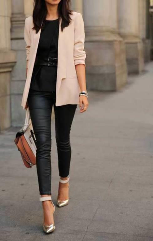 Stilimizle fark yaratmak için bahar modasından ceket kombinleriyle yeni fikirler edinebiliriz.